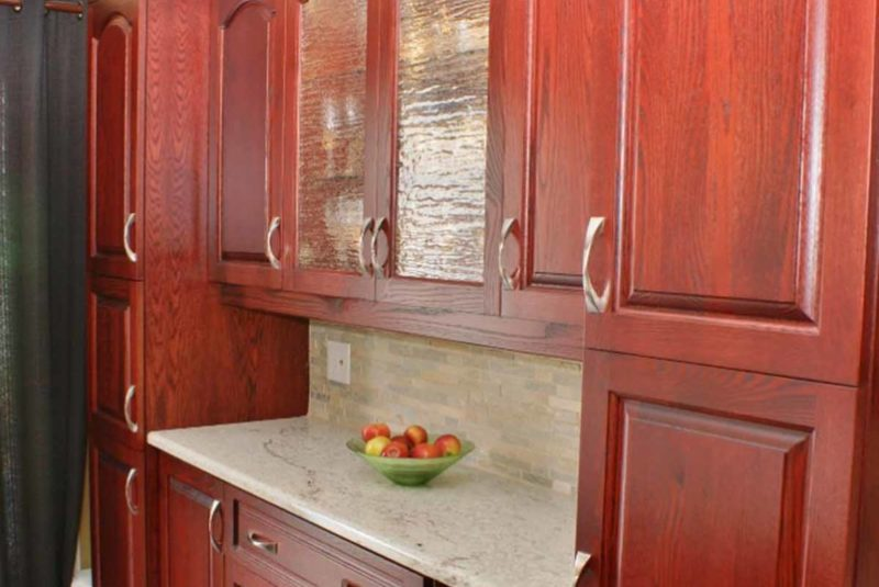 Cabernet Oak Kitchen