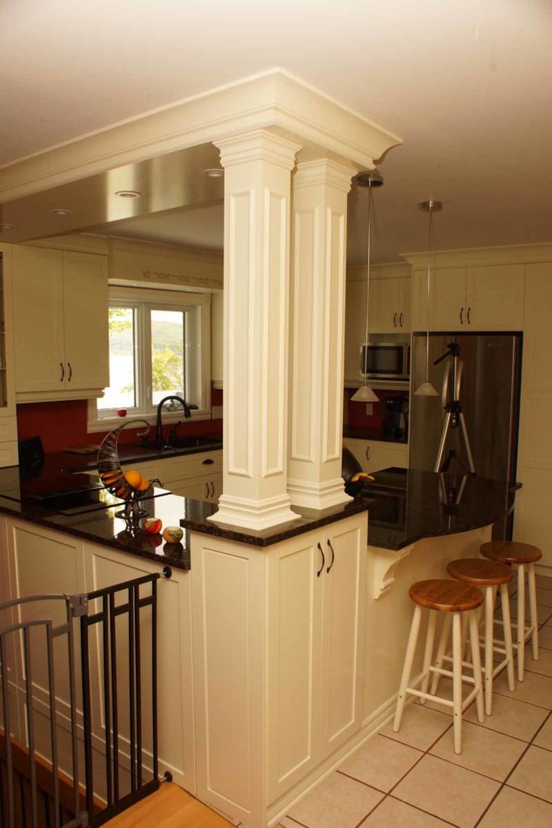 Kitchen With Columns Les Armoires S 233 Guin Cabinets