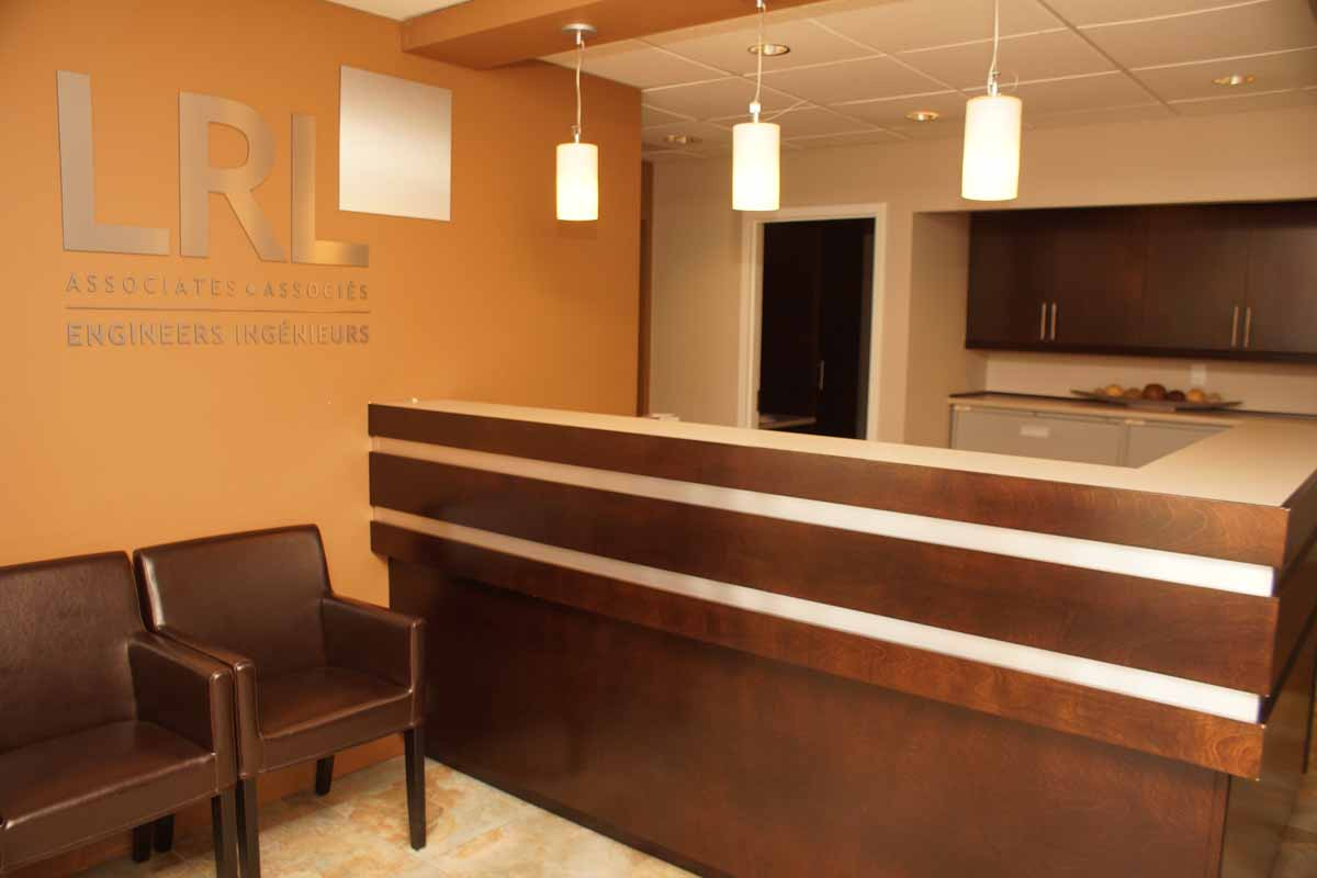 reception desk les armoires s guin cabinets. Black Bedroom Furniture Sets. Home Design Ideas