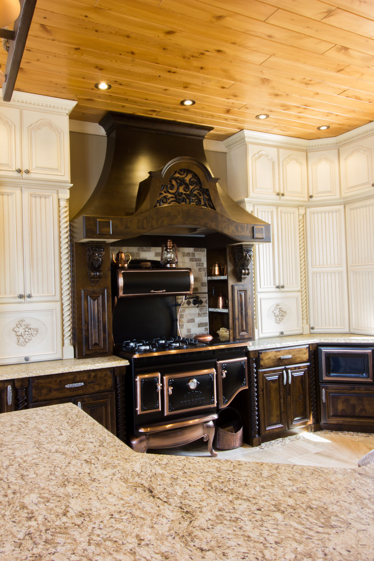 amazing kitchen les armoires s guin cabinets. Black Bedroom Furniture Sets. Home Design Ideas